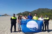 La Bandera Blava ja oneja a les platges de Vandellòs i l'Hospitalet de l'Infant