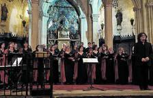 L'Orfeó bufa 100 espelmes posant lletra a les cançons del seguici
