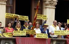 Valls s'alça per demanar l'alliberament dels «presos polítics i dels exiliats» en la diada castellera de Sant Joan