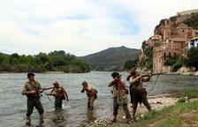 Miravet commemora els 80 anys de l'inici de la Batalla de l'Ebre amb la recreació de l'assalt dels republicans