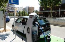 Salou compta amb el primer punt de recàrrega per a vehicles elèctrics