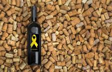 Patents i Marques nega el registre a un vi elaborat a Falset per dur un llaç groc a l'etiqueta