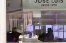 Quatre detinguts relacionats amb l'atracament de dilluns en una joieria a l'Ànec Blau de Castelldefels