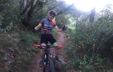 680 quilòmetres i 35 hores en bici per recollir fons contra l'esclerosi múltiple