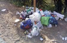Veïns de la Riba i Farena es queixen de brutícia acumulada als gorgs
