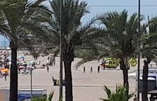 Un home de 78 anys mor ofegat a la platja de Segur de Calafell