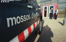 Un home amenaça amb una navalla una dependenta d'un supermercat a Reus