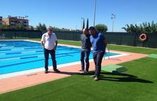 Torredembarra comença a treballar per dotar la piscina d'una coberta