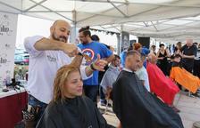 Barberos, peluqueras y cambrilenses se unen contra el cáncer infantil