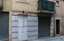 Cede parte de un techo de un edificio deshabitado de cuatro plantas en Reus