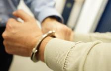 Detingut un veí de Calafell per conduir sense carnet i fugir dels mossos