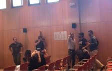 Dos activistes, denunciats per desordres públics al plenari de Salou