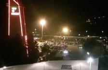 Veïns de la Pineda denuncien la celebració d'una festa il·legal durant tota la nit a un pàrquing públic