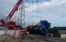Desactivat el Transcat per un camió que portava oxigen líquid i ha bolcat a Perafort