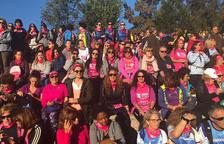 Més de 700 persones caminen en la Marxa contra el càncer de mama