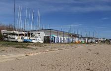 La Generalitat quiere que los clubs de vela en la playa puedan tener una superficie de 700 metros cuadrados