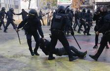 Un col·lectiu de Mossos diu que alguns antiavalots van cridar 'a por ellos' en la càrrega