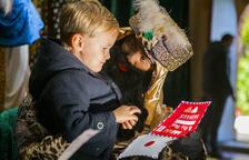 Els patges reials recullen les cartes dels nens i nenes de la Canonja