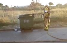 Cremen tres contenidors a Mont-roig i un al Vendrell