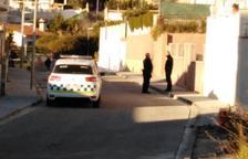 El Ayuntamiento de Calafell apoya al policía que disparó el perro «en defensa propia»