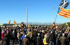 2.000 persones canten a Forcadell davant la presó del Catllar