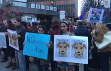 El PACMA convoca una protesta a Calafell por la muerte a tiros de un perro por parte de la Policía Local