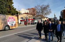 L'autobús de Ciutadans amb el lema 'Elecciones ya' fa parada a Tarragona