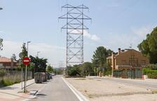Endesa avala que les torres d'El Pinar «són segures» i no les traslladarà