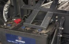Dos detinguts per robar les bateries d'un camió i vendre-les en una deixalleria de Tarragona