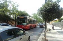 Recullen signatures perquè el bus de la línia de l'hospital sigui adaptat