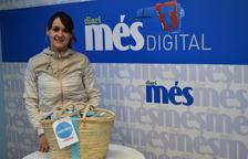 Cristina Piñol Lara recull la cistella de Caprabo i el Diari Més