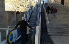 Un tram de les escales del Palau Firal fa un mes i mig que no funciona