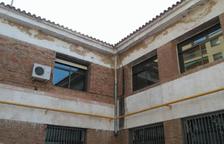 L'Ajuntament eliminarà baixants d'aigua d'amiant de l'Escola del Miracle