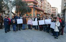 Concentració contra les ocupacions il·legals a la plaça del Comte