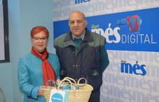 Manel Rodríguez Ara recull la cistella de Caprabo i Diari Més