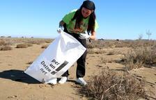 Més de 200 voluntaris recullen cinc tones de deixalles en la campanya 'Per un Delta Net'