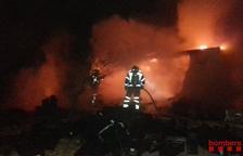 Incendi d'un contenidor utilitzat com a magatzem a la Ràpita