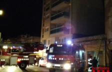 Catorze adults i dos menors evacuats en un incendi a Sant Carles de la Ràpita