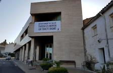 L'Ajuntament de Tivissa entrega 500 firmes a Salut per recuperar els serveis sanitaris al municipi