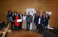 L'Associació Dr Amadeu Pelegrí lliura 33.000 euros a la investigació del  càncer