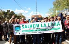 Clam per aturar el desmantellament de la via de la costa Salou-Cambrils