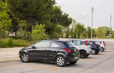 Usuaris de l'aparcament dissuasiu de l'N-340 diuen que hauria de ser del tot gratuït