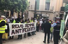Concentració sense incidents davant la parada de Vox a Reus