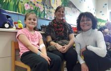 Mans Unides Tarragona visita la planta de pediatria de l'Hospital Joan XXIII