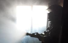 Un incendio de vivienda en Segur de Calafell moviliza cuatro dotaciones de los Bombers
