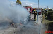 S'incendia un turisme a Cunit