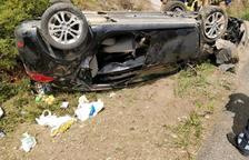 Dos heridos leves después de volcar el coche en la C-14 en Alcover