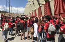Espectacular rebuda dels aficionats del Mallorca al seu equip