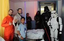 Star Wars visita la planta de pediatria de l'Hospital Joan XXIII