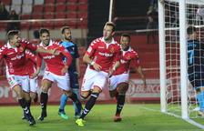 Los equipos de la zona alta de la clasificación sufren en el Nou Estadi